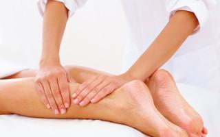 Избавляемся от отеков ног при помощи массажа