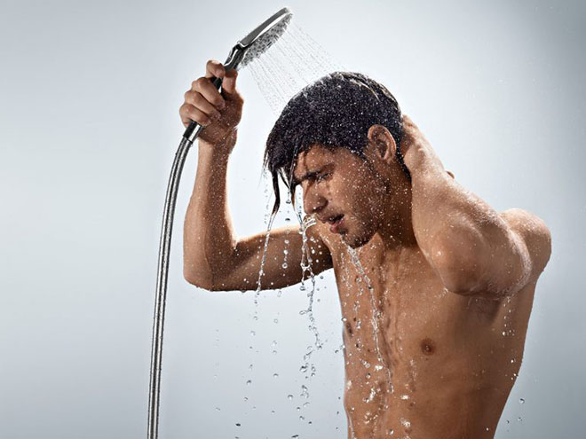 Контрастный душ против похмелья